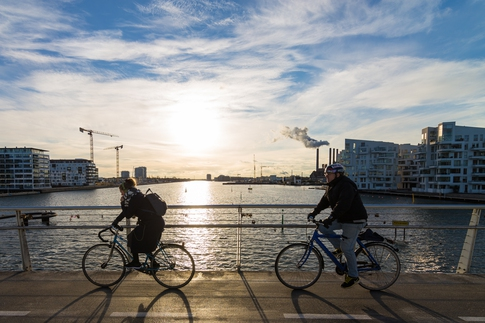 denmark-bicycle-on-brygge-brigde-reserved-for-bikes-visitcopenhagen-com