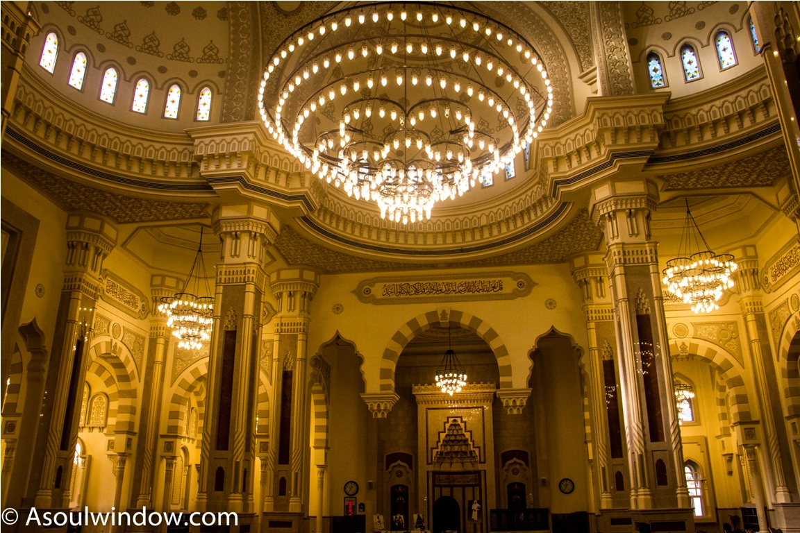 Chandelier Al Noor Mosque Sharjah Dubai (2)