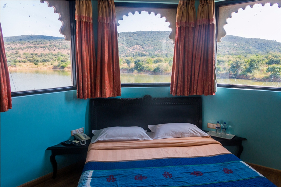 Justa Lake Nahargarh Palace, Chittorgarh Rajasthan India Suite room