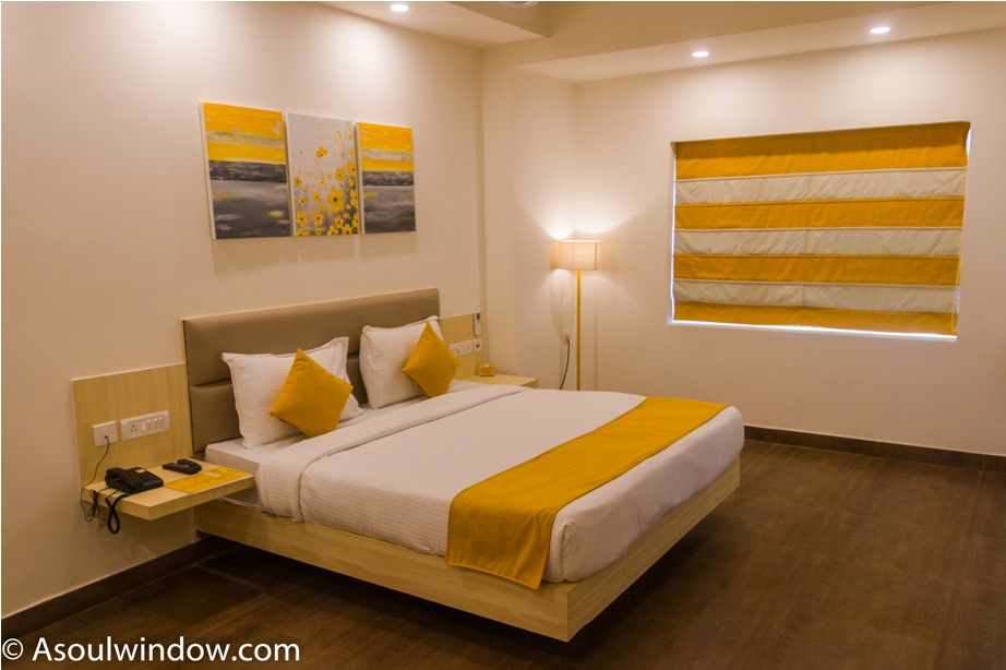 Yellow hotels Jagannath Temple Grand Road Puri Odisha (3)