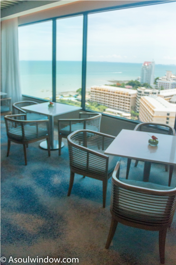 Amari Ocean Tower Pattaya Thailand Resort Hotel (7)